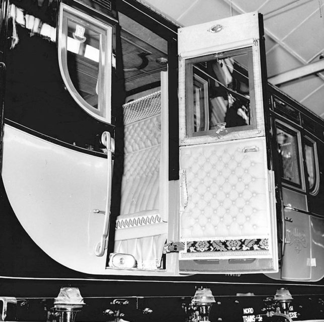 A151 Nord car in the workshop of Romilly-sur-Seine, 3 February 1970, Cité du Train collection