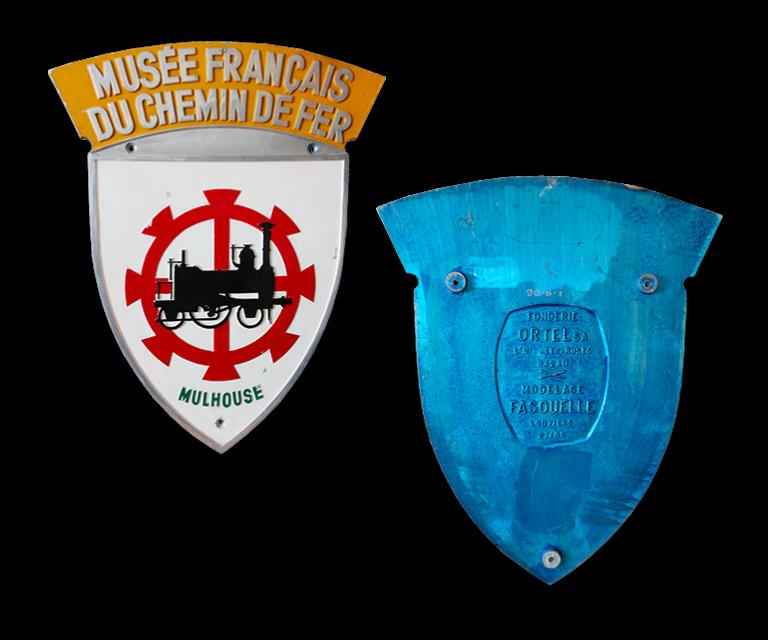"""Blason """"Musée Français du Chemin de Fer"""" créé pour le parrainage de la locomotive BB 26006 SYBIC baptisée Mulhouse, 10 juin 1989, Collection Cité du Train"""