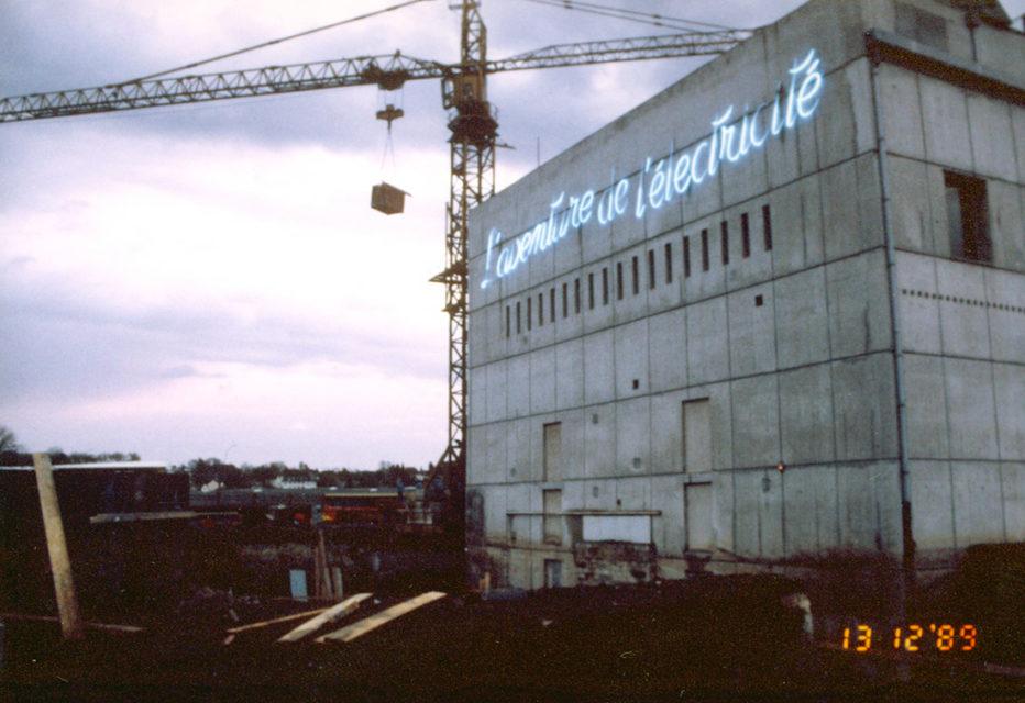 Anonyme, Construction de la deuxième tranche du musée Electropolis, photographie, 1989, Fonds Electropolis