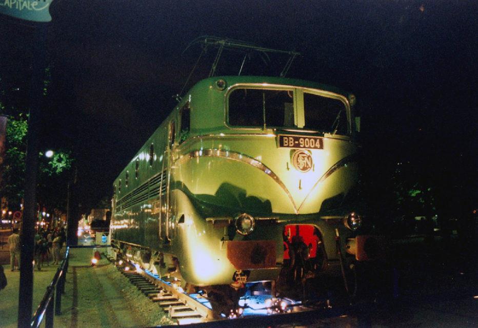 Anonyme, La locomotive électrique BB 9004 exposée lors de l'événement Train Capitale, 8 juin 2003, Collection Cité du Train