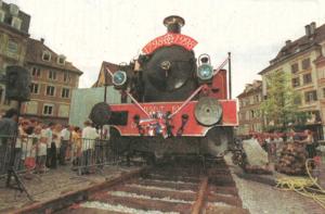Locomotive sur la place de la Réunion en 1998