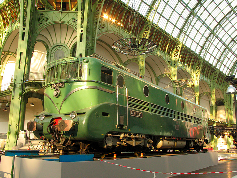 Anonymous, The BB9004 on display in the Grand Palais, Photograph, 2007, Cité du Train collection